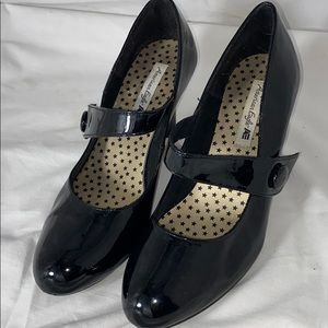 American eagle black heels w/strap Sz 9.5